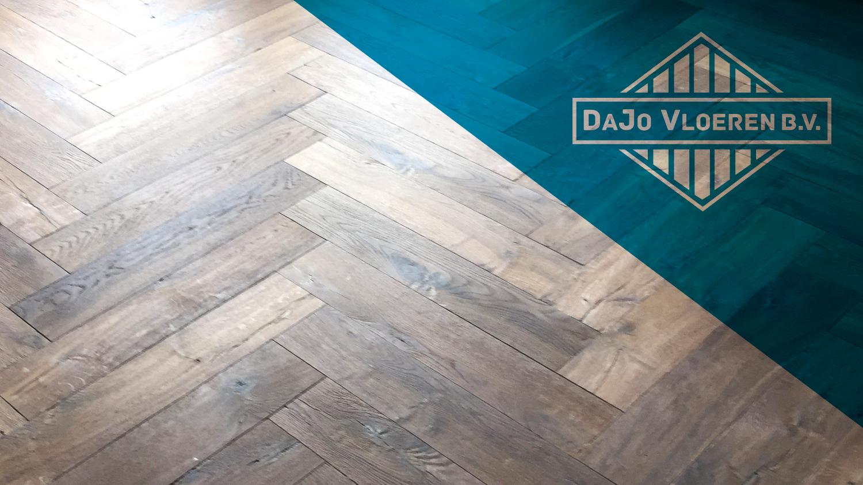Vloerenspecialist<br> in houten vloeren, <br> PVC en laminaat!